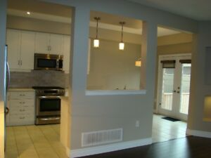 3 BR 2.5 BATH End Unit Townhome FOR RENT in Grimsby
