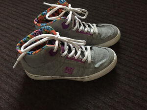 DC girls size 5 shoes brand new