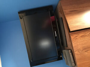 27 inch Panasonic tv with remote