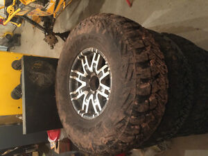 "5 - 37"" tires on 17"" rims"