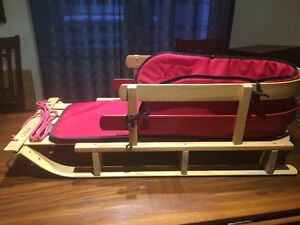 LL Bean Child's Pull Sled with Cushion - Mint Condition! Kitchener / Waterloo Kitchener Area image 2
