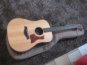 Taylor 110 acoustic electric