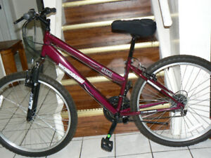 EXCELLENT Large MONGOOSE Bike- Front SHOCKS- Upto 5 Feet 10 In