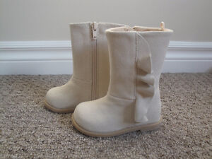 Brand New G.A.P. Beige Suede Boots with Side Zipper Size 5