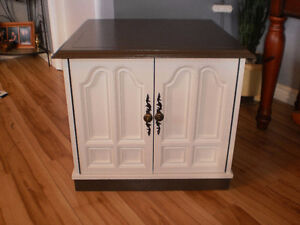 End Table or Bed Side Table