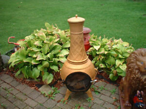 RECONDITIONED BEAUTIFUL CHIMNIA PATIO WOOD STOVE