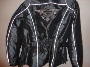 Manteau Harley Davidson, gr small, comme neuf