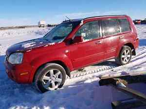 PARTING OUT / WRECKING: 2006 NISSAN XTRAIL SUV 4X4