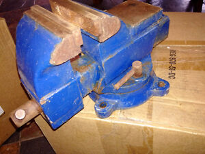 "4"" swivel bench vise"