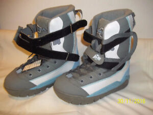 """Women's Snowboard Boots Size 7 & 9 (Five Pairs) """"NEW"""" '"""