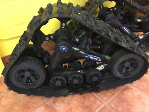 POLARIS SIDE BY SIDE TRAX - Used Once under 2hrs