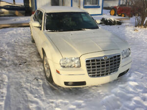 2007 Chrysler 300-Series White Sedan