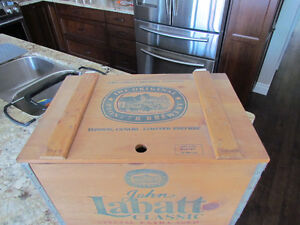 Labatt Classic Special Edition with Wood Case - Numbered Peterborough Peterborough Area image 3