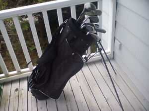 Ladies Right Hand Siazenger 12 pc golf club set and bag