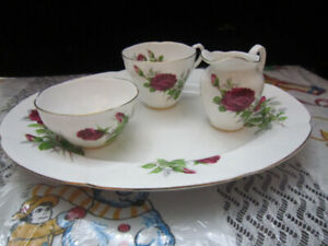 Royal Albert ROYAL CANADIAN ROSE china