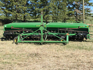 1995 JD750 30 FT NO TILL DRILL WITH MIDROW BANDING