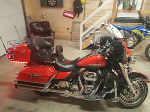 2010 Harley Ultra Limited Stage 2 Tons of Extras