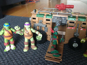 TMNT Teenage Mutant Ninja Turtles figures et Shellraiser