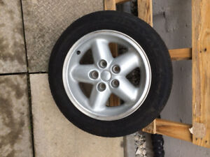 FOR SALE: Five 15inch alloy rims from Jeep Liberty