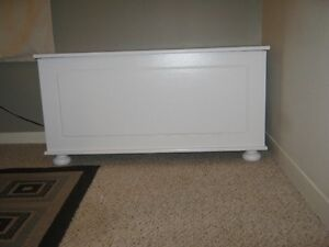 Hardwood Hope Chest/Blanket Box New Price London Ontario image 3