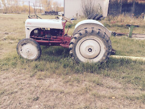 Ford 8N 3130 1950 tractor