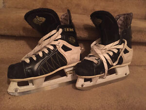 2 Pairs of Kids Skates West Island Greater Montréal image 3