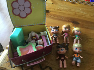 Bratz babies with carrying case