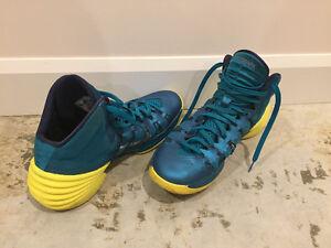 Souliers de basketball Hyperdunk de Nike
