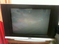 ELECTROHOME FLAT SCREEN TV 32 INCHES