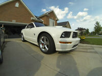 2009 Ford Mustang GT Coupe (2 door)