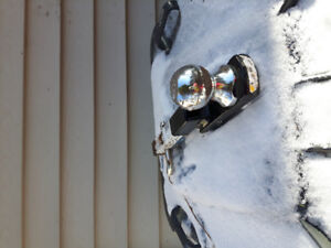 """2"""" ball hitch with 1 1/4 hitch for sale"""
