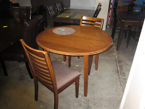 3 piece dining set - Delivery Available