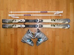 Équipement de ski alpin récent 160 cm NORDICA