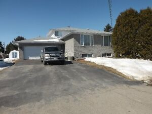 Large 3 + 1 Bedroom Home, A MUST SEE!!!!!!!