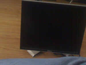 GOOD  WORKING  DELL  FLAT SCREEN  MONITOR