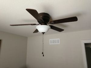 """Harbor Breeze 44"""" ceiling fan with light, only $40.00"""