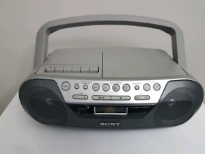 Sony CFD-S05PortableCD Player Cassette-Corder Player AM/FM Rad