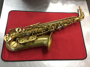 PRO ALTO SAX EASTMAN 52nd STREET UNLACQUERED! COME CHECK IT OUT!