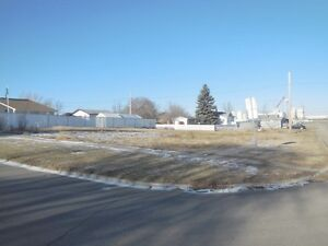 400 3rd Ave. W., Assiniboia