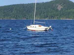 22' Sail Boat For Sale