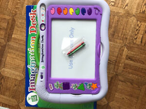 LeapFrog Imagination Desk w 4 Cartridges EXCELLENT CONDITION