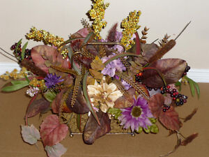 """Floral Arrangement in Gold Wire Basket : As shown: 22"""" W x 19"""" Cambridge Kitchener Area image 2"""