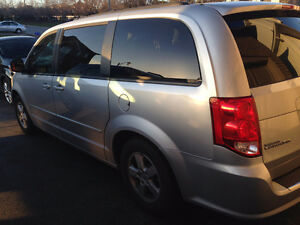 Awsome 2012 Dodge Caravan 40000K Only 14999 Loaded Single owner