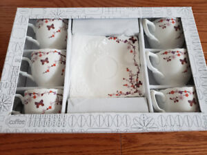 Brand new Japanese flower 6 pieces teacup and saucer set