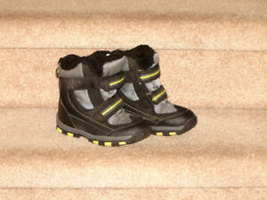 Boys Winter Boots - size 10