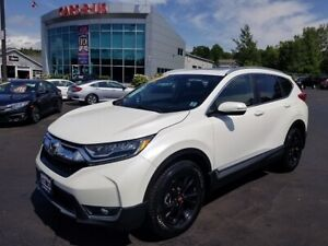 2017 Honda CR-V Touring / AWD / Nav