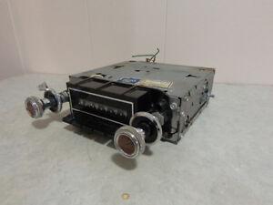 Radio AM original antique GM Delco modèle 90BPB1