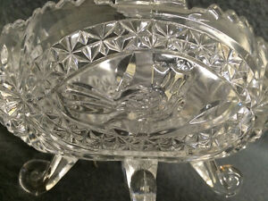 "Collectible Antique 4 Toed Crystal Footed Dish "" The Byrdes "" London Ontario image 4"