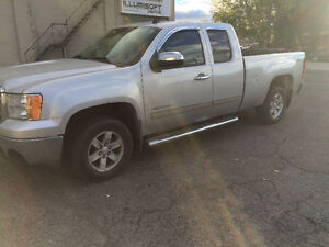 2013 GMC Sierra 1500 REDUCED SLE Pickup Truck