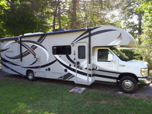 RV 31 ft 2014 Thor Chateau Low Mileage Motorhome